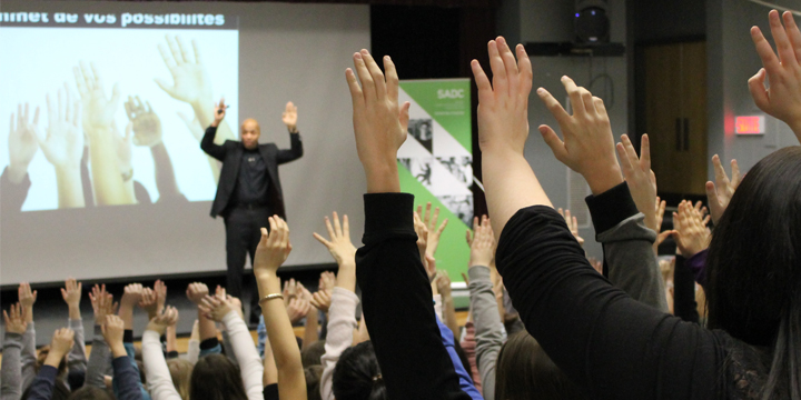 Stephan Maighan inspire plus de 800 personnes de la Baie-des-Chaleurs!